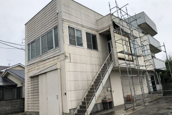 東京都小平市 外壁塗装 金属サイディングカバー工事 シーリング工事 バルコニー防水工事