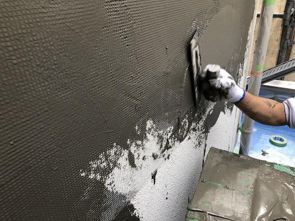 東京都東久留米市 外壁塗装 モルタル外壁 エスケー化研ミラクファンドKC-2000 3度塗り (3)