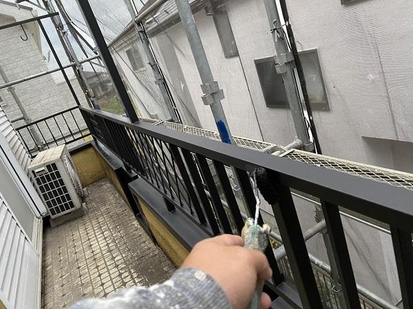 東京都東大和市 M様邸 ベランダフェンス塗装 鉄部サンダーケレン 錆び止め2回塗布 (3)