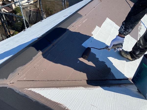 東京都東大和市 M様邸 屋根塗装 関西ペイント ヤネ強化プライマーEPO アレスクールシーラー RSルーフ2液F (2)