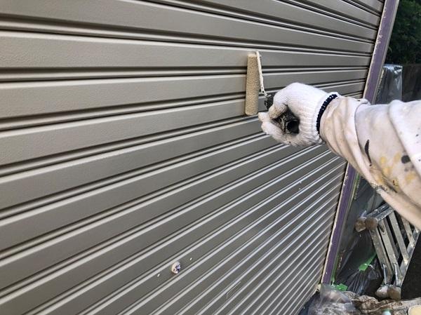 東京都東大和市 E様邸 外壁塗装・付帯部塗装 シャッター塗装 写真付き塗装の工程 (5)