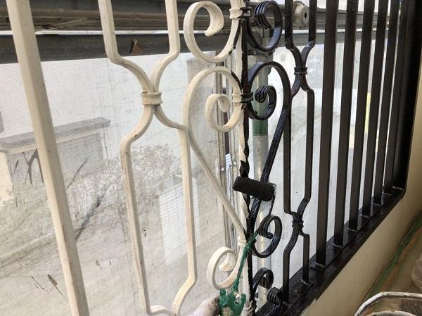 東京都清瀬市 アパート 外壁塗装・屋根塗装 ベランダ手すりの塗装 ケレン作業が決め手です。 (1)